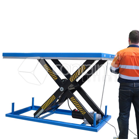 CELT-4T 4000kg capacity electric lift table in use